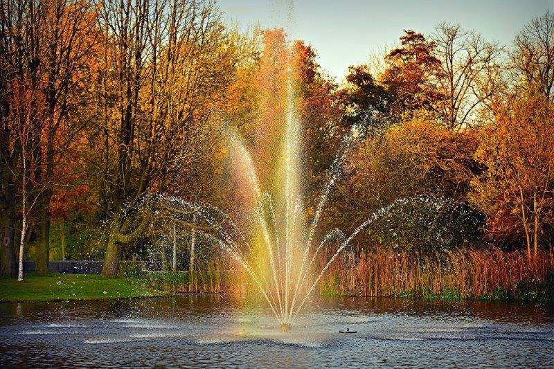 Fountain 3826332 1920 1 petite